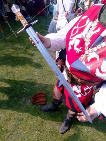Kopie Svatováclavského meče, který  skupina vlastnoručně zhotovila