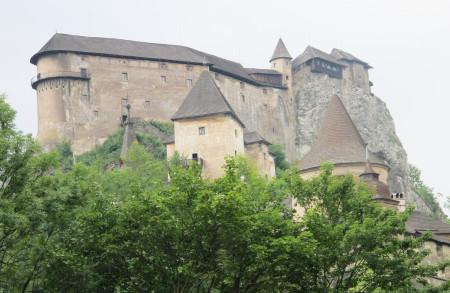 2_DI8-16 - Cestovatelský deník - foto Oravský hrad