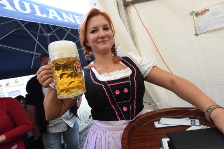 DI10-16 - Z regionu - Oktobrfest Kolín - foto 1