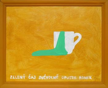 zelený čaj svévolně opustil hrnek