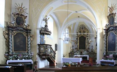 DI12-16 - Spolky - foto 1 (kostel uvnitř)